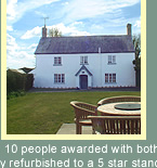 self contained holiday cottages